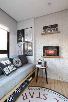 Prop your walls with interesting graphics! #Design