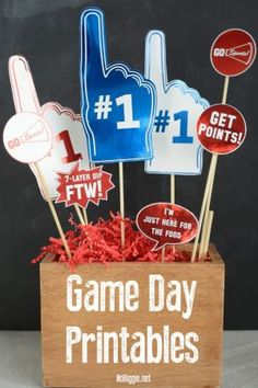 Here are the fun (funny) Game Day Printables to use for the Big Game coming up! It's an easy way to add a little flair to your party spread. 7 Later Dip, Game Day Quotes, Football Cupcakes, Party Spread, Funny Games, Fun Funny, Hilarious, Game Day Food, Host A Party