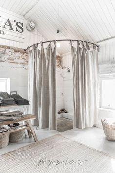 Clothing Boutique Interior Design Ideas 24