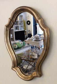 kultakehyksinen peili . 28 x 39.5 cm . @kooPernu