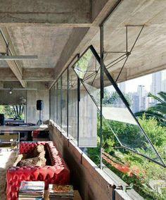 Fragments of architecture — Concrete House / Paulo Mendes da Rocha Steel Windows, Windows And Doors, Interior Exterior, Exterior Design, Design Hotel, House Design, Loft Design, Design Design, Architecture Design