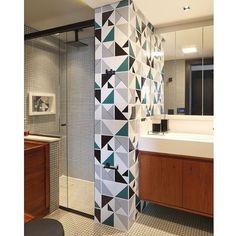 Azulejos Tarde, Laje Preto, Raiz Cinza e Raiz Verde  // Shop Online www.lurca.com.br/ #banheiro #lavabo #bathroom #restroom #lurca #lurca_azulejos #azulejos #azulejosdecorados #revestimentos #arquitetura #interiores #decor #design #reforma #decoracao #geometria #casa #ceramica #architecture #decoration #decorate #style #home #homedecor #tiles #ceramictiles #homemade #madeinbrazil #saopaulo #sp #brasil #brazil #design #brasil #braziliandesign #designbrasileiro