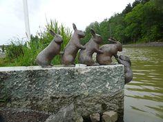 Rabbit Crossing, Soderkoping SE in Gota canal Fleet Of Ships, Statues, Sweden, Garden Sculpture, Travel Destinations, Rabbit, Dreams, Artwork, Sculptures