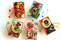 つまみ細工「花札(Hanahuda)Japanese playing cards」 This is a Japanese traditional crafts…