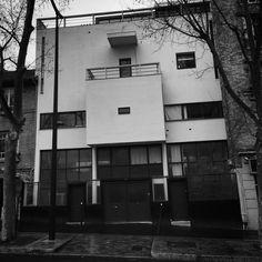 Planeix House by Le Corbusier in Paris, France. Le Corbusier, Architecture 101, Construction, Exterior, Building, Type 1, Paris France, Houses, Facebook
