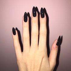 Polygel Nails, Prom Nails, Nail Manicure, Hair And Nails, French Tip Nail Designs, Black Nail Designs, French Tip Nails, Black Nails With Glitter, Curved Nails