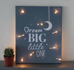 Canvasschilderij met lampjes voor op de babykamer!