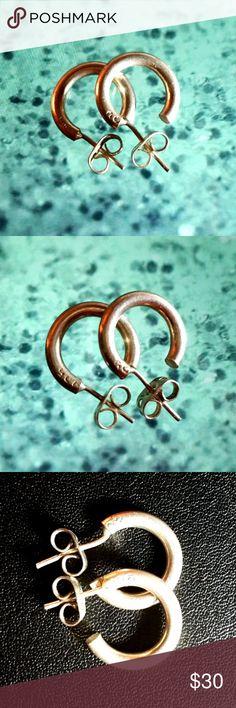 .925 stamped solid sterling silver hoop earrings A classic....925 stamped solid sterling silver hoop earrings Jewelry Earrings