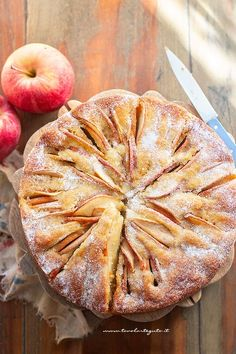 Perfect apple pie in 5 minutes! Apple Pie Recipes, Sweet Recipes, Cake Recipes, Apple Torte, Apple Cake, Perfect Apple Pie, Confort Food, Savoury Cake, Clean Eating Snacks