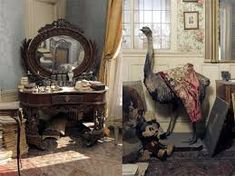Parisian Time Capsule After suddenly fleeing to the South of France during WWII, Madame de Florian's lavish Paris apartment was abandoned and locked up with all of her belongings in it Parisian Apartment, Paris Apartments, Abandoned Houses, Abandoned Places, Shabby Chic Bedrooms, Retro Home Decor, Belle Epoque, Interior Inspiration, Interior And Exterior