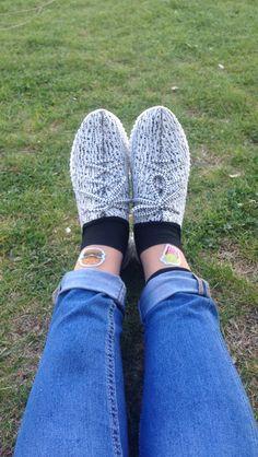 Desenli çoraplar pentiden