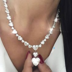 @the_diamonds_girl IT'S A WORK OF HEART!!!! @kamyenjewellery necklace???? whose statement diamond necklaces have stolen my heart!!!
