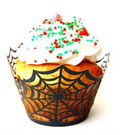 Vista os seus cupcakes com estas lindas saias rendadas! www.polkadotfestas.com.br #cupcake #wrapper #saia #cupcakes #borboleta #festa #renda #decoração #homemaranha #spiderman #party #provençal
