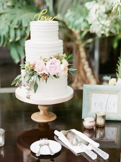 Floral-Filled Spring Wedding at this Gorgeous Conservatory