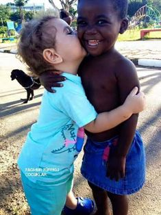 I'm interested in this topic of racism because I believe that there is still racism everywhere but some say it's a peaceful world. Precious Children, Beautiful Children, Beautiful Babies, Beautiful People, Happy Children, Beautiful Pictures, Cute Kids, Cute Babies, Paddy Kelly