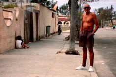 ESPERANDO LOS ESPEJUELOS http://www.conexioncubana.net/index.php/sanidad/1166-esperando-los-espejuelos
