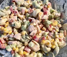 Sałatka z tortellini i pysznym sosem - Blog z apetytem Tortellini, Polish Recipes, Food Design, Pasta Salad, Vegetarian Recipes, Food And Drink, Lunch, Menu, Vegetables