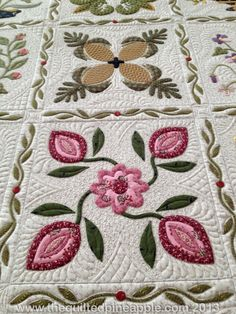 Detail of the Heartland Quilt by Linda Hrcka of the Quilted Pineapple