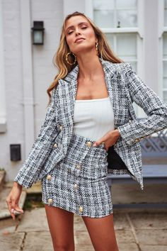 Two-piece plaid tweed women blazer suit Casual streetwear suits Two-piece . Read more The post Two-piece plaid tweed women blazer suit Casual streetwear suits appeared first on How To Be Trendy. Glamouröse Outfits, Classy Outfits, Classy Business Outfits, Cute Professional Outfits, Business Clothes For Women, Fancy Casual Outfits, Business Casual Skirt, Female Outfits, Glamorous Outfits