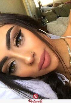 glam makeup – Hair and beauty tips, tricks and tutorials Glam Makeup, Skin Makeup, Makeup Inspo, Makeup Inspiration, Makeup Ideas, Makeup Goals, Full Face Makeup, Makeup Tutorials, Makeup Hacks