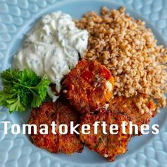 I samarbete med @lrfsverige @lrfjagbryrmig 💚 Nu är det äntligen säsong för svenska tomater och färska örter🍅☘Åh det finns så mycket gott du kan göra med det och idag har jag gjort läckra tomatokefethes👌 grekiska tomatbiffar som jag har serverat med svensk mathavre och tzatsiki. Maten smakarinte bara godare när man väljer närproducerat och efter säsong utan det är mer hållbart och bättre för både miljön och hälsan. Vi är alla en del av klimatfrågan och de små val vi gör har en stor ... Zeina, Brownies, Grains, Curry, Rice, Lunch, Beef, Food, Instagram