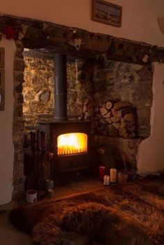 20 Ideas wood burning stove hearth cabin for 2019 Cottage Fireplace, Inglenook Fireplace, Stove Fireplace, Cozy Fireplace, Fireplace Design, Fireplace Ideas, Country Fireplace, Wood Stove Hearth, Wood Stove Surround