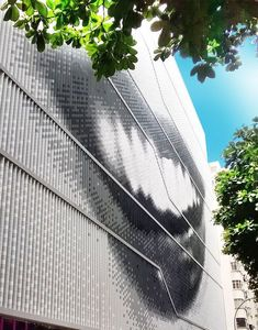 In this video you can discover the project of the Museum of Image and Sound- MIS in Rio de Janeiro. A customized project with ULMA facade in polymer concrete. Building Skin, Facade Architecture, Cladding, Concrete, Gallery, Outdoor, Image, Catalog, Mosaic