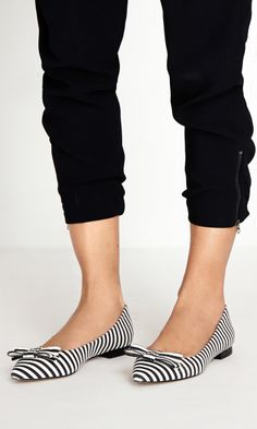 Cute striped bow flats.