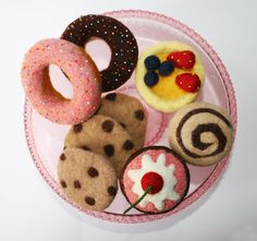 needle felted desserts by Laura Lee Burch