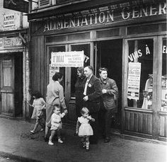 Willy Ronis - Rue de Belleville.