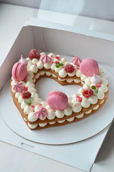 No-Bake Cookies and Milk Cake Bomb Sweet Desserts, Dessert Recipes, Cake Recipes, Fancy Cakes, Cute Cakes, Beautiful Cakes, Amazing Cakes, Cake Cookies, Cupcake Cakes