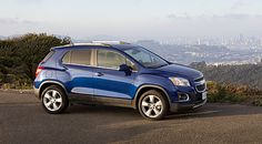 Compact crossover Chevrolet Tracker looks bright and, despite its small size, exudes power and strength. Chevrolet Trax, Chevy, Small Suv, Expensive Cars, American, Vehicles, Cars, Pickup Trucks, Motors