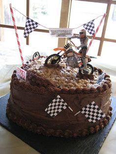 Motocross Groom's Cake - for Cory's groom cake. I really like this one!