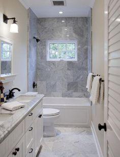 comment choisir le revetement mur salle de bain, meubles sous evier en bois blanc