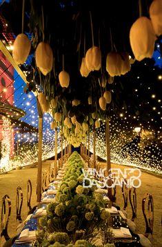 Tulip centerpiece and fairy lights decoration for imperial table Light Decorations, Table Decorations, Fairytale Weddings, Italy Wedding, Fairy Lights, Tulips, Wedding Venues, Floral Design, Centerpieces