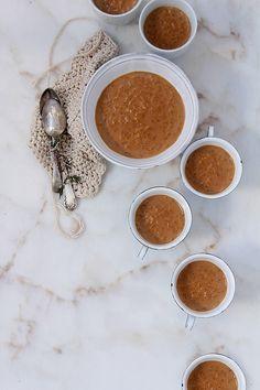 Imagen: food-and-cook.blogs.elle.es   Necesitamos   1 litro de leche 160 gramos de arroz 1 cucharadita de esencia de vainilla 1 huevo bati...