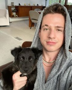 Charlie Puth on insta! Charlie Puth, Charlie Charlie, Ed Sheeran, The Frankenstein, New Puppy, Record Producer, To My Future Husband, Cute Dogs, Labrador Retriever