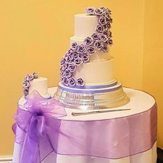 Wedding Cake With Lilac Roses