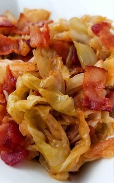 If your a lover of bacon and you like cabbage, you will fall in love with this quick and easy Southern Fried Cabbage! The flavors you get are a natural sweetness that comes together with this simple dish. You'll wish you tried it sooner. Fried Cabbage Recipes, Bacon Fried Cabbage, Vegetable Recipes, Cooked Cabbage, Caprese Salad Recipe, Salad Recipes, Southern Fried Cabbage, Cooking Recipes, Healthy Recipes