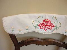 Vintage Doily Mid Century Chair Back Doily by annmerrilldesigns, $9.00