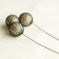 wire crochet and pearls - I really love this!