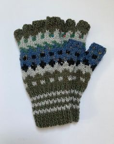 70% Acrylic 30% Wool handknitted gloves £27.00