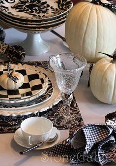 Black and White Pumpkin Table