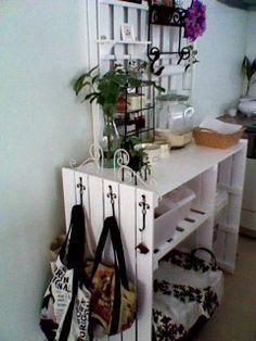 すのこを使ったインテリア家具(収納棚) : 【アレンジ術】お手軽!簡単!すのこでDIY実例集【すのこ家具】 - NAVER まとめ
