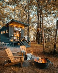 Tiny House Cabin, Tiny House Living, Tiny House Design, Cabin Homes, Log Homes, Tiny Homes, Ideas Cabaña, Forest Cabin, Cabin In The Woods