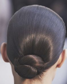New Hair Updos Sleek Hairdos Ideas Sleek Hairstyles, Wedding Hairstyles, Curly Hair Styles, Natural Hair Styles, Runway Hair, Slicked Back Hair, Sleek Back Hair, Make Up Braut, Braut Make-up