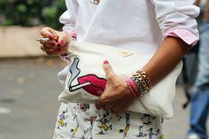 Viviana Volpicella con la pochette di Prada  milan fashion week ss 2013    http://coolchicstyle.tumblr.com/post/25852314302/viviana-volpicella-con-la-pochette-di-prada    http://www.grazia.it/moda/streetstyle/Milano-Moda-Uomo-Street-Style-24-giugno