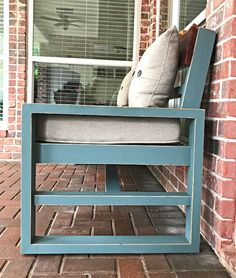 How to steps for this before and after furniture makeover using chalk paint and vaseline for distressing. Steps to get this look on unfinished wood and already stained wood furniture or cabinets. Staining Wood, Painting Furniture Diy, Furniture Makeover, Diy Home Decor, Home Diy, Distressed Furniture Painting, Wood Furniture, Furniture Painting Tutorial, Diy Furniture Plans