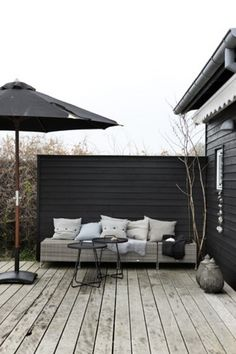 Beach House Inspiration - Patio www. Beach House Inspiration - Patio www. Outdoor Rooms, Outdoor Gardens, Outdoor Living, Outdoor Furniture Sets, Outdoor Decor, Outdoor Seating, Outside Living, Black House, Exterior Design