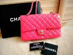 I love this so much .. pink channel side bag <3